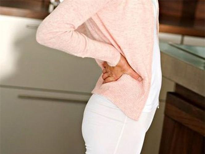 Viêm khớp cùng chậu ảnh hưởng lớn đến khả năng vận động - Không nên coi thường
