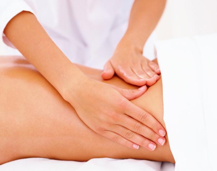 massage-tai-nha-giup-giam-dau-kinh-toa-2