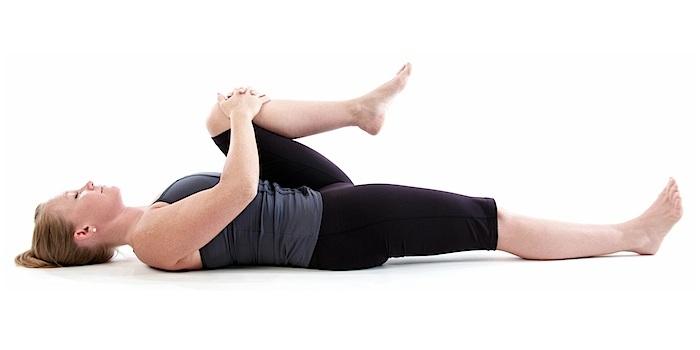 8-bai-tap-yoga-giup-chua-dau-kinh-toa-hieu-qua-4