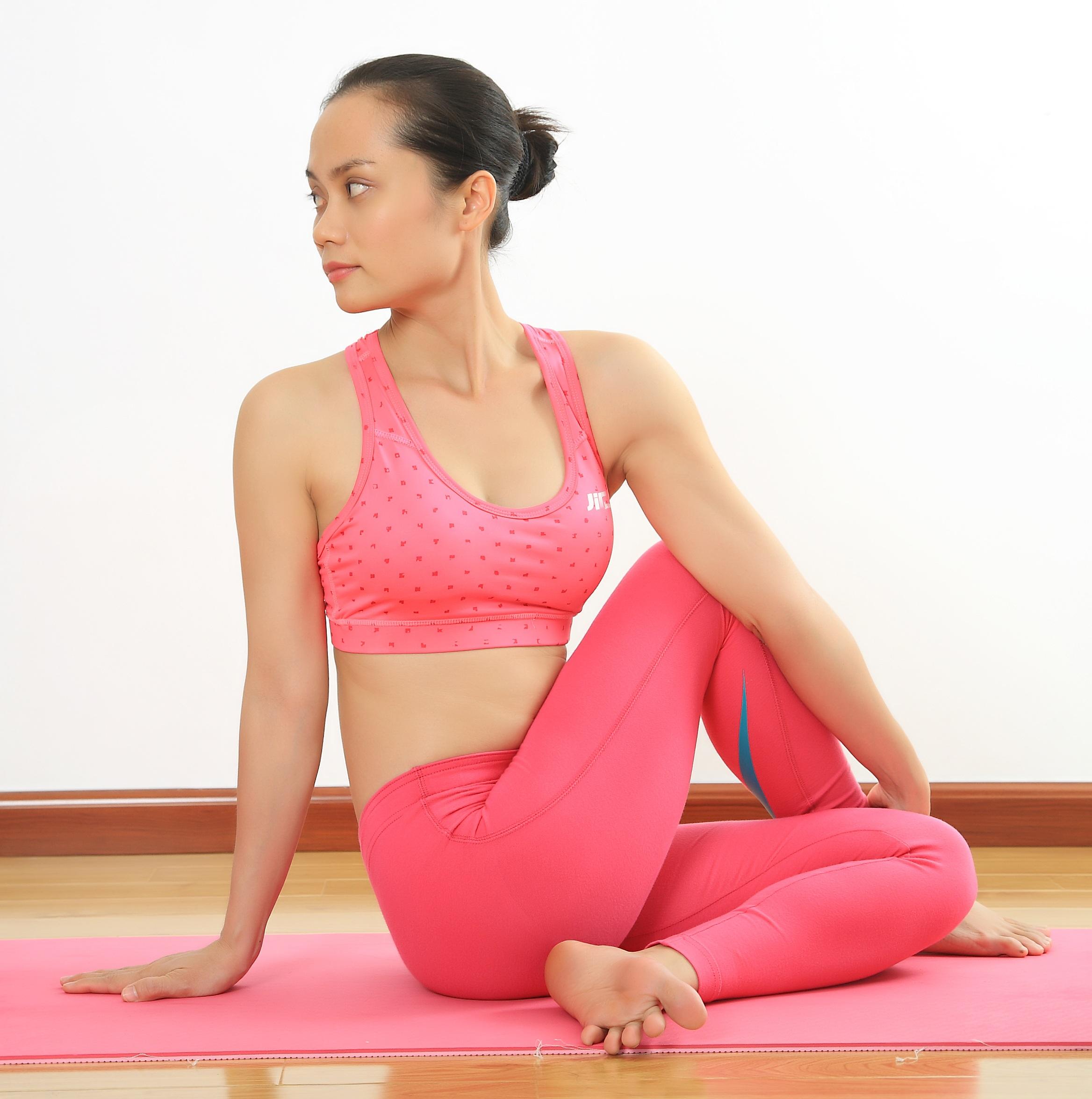 meo-chua-dau-moi-vai-gay-nho-tap-yoga-5
