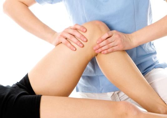 Massage khớp gối giúp giảm đau khớp gối khi mang thai