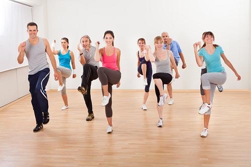 Thường xuyên luyện tập thể dục - Cách làm giảm acid uric trong máu tốt nhất
