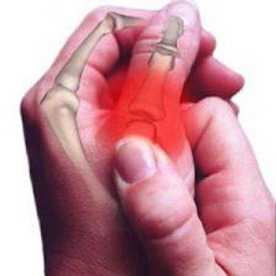 đau khớp ngón tay là biểu hiện viêm khớp ngón tay