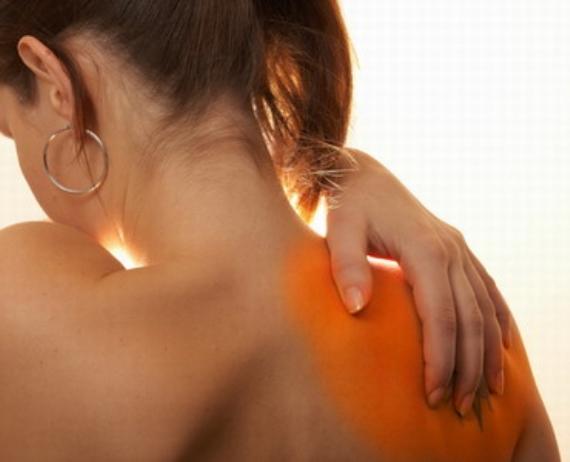 Chữa trị đau nhức bả vai tại nhà
