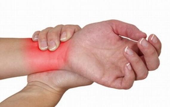 Lý giải hiện tượng đau khớp cổ tay không rõ nguyên nhân