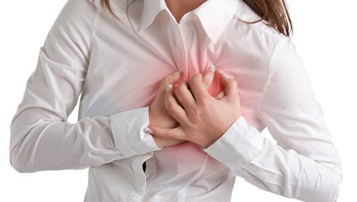 bệnh tim có thể gây tê bì chân tay
