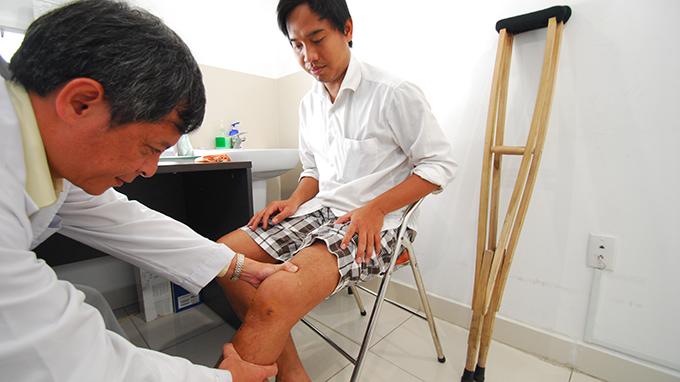 BS. Tăng Hà Nam Anh là bác sĩ giỏi về xương khớp ở TPHCM